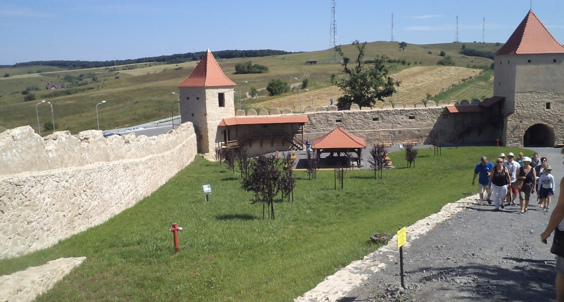 Cetatea Rupea – ruina renascuta, monument istoric in judetul Brasov
