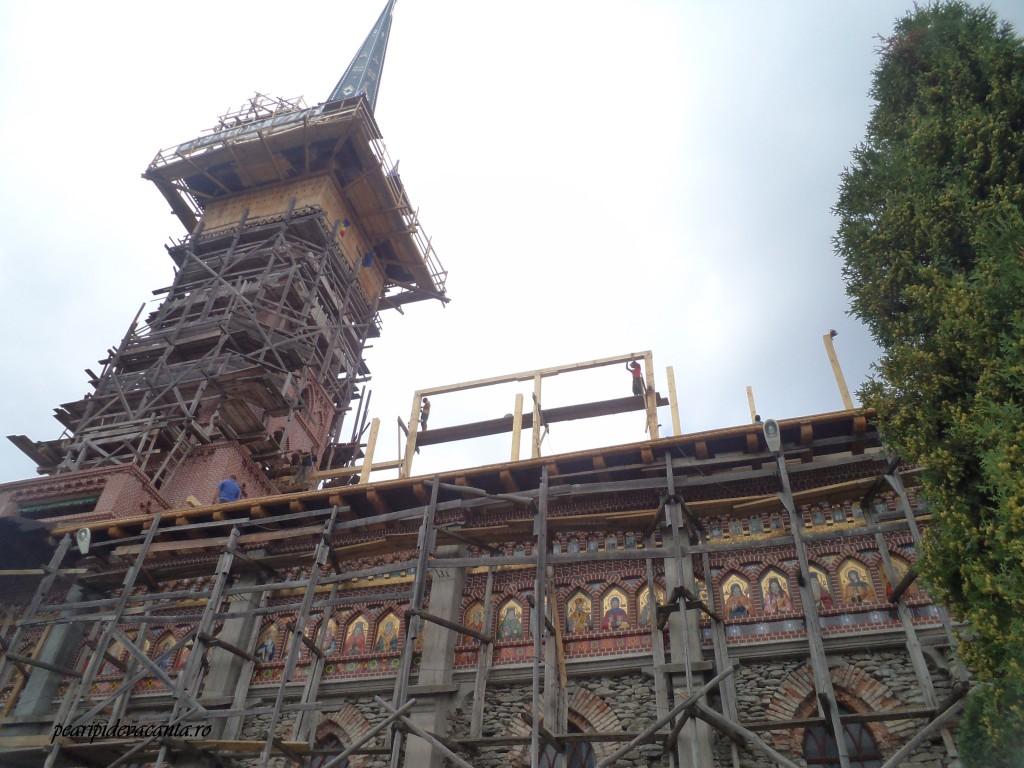 Reconstruirea bisericii