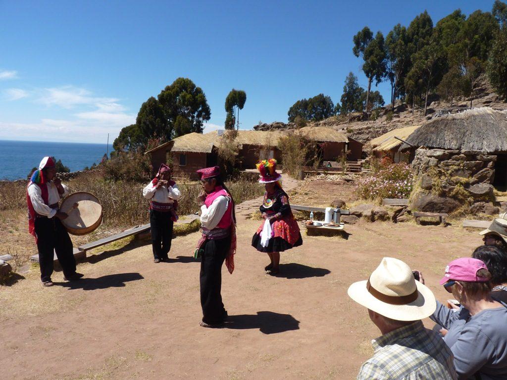 dans-in-titicaca